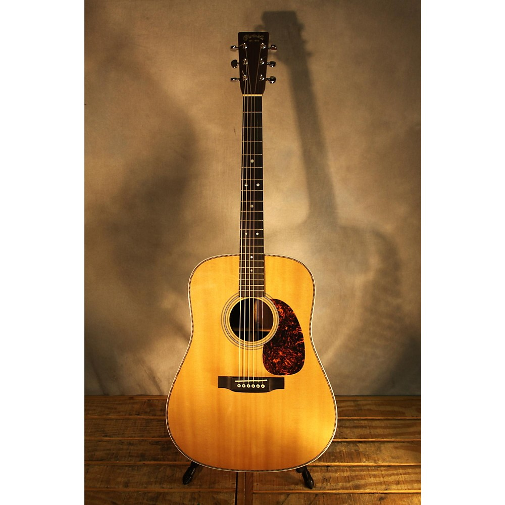 Martin HD28 Acoustic Guitar Natural 113050452