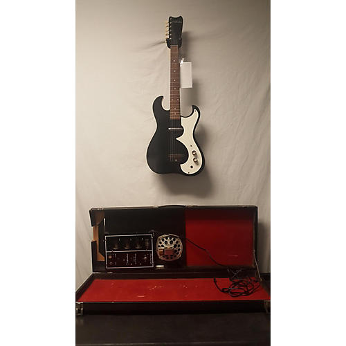 vintage silvertone 1960s electric with case amp solid body electric guitar black and white. Black Bedroom Furniture Sets. Home Design Ideas