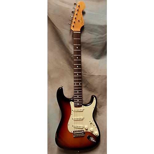Fender 1962 Vintage Hot Rod Stratocaster Solid Body Electric Guitar