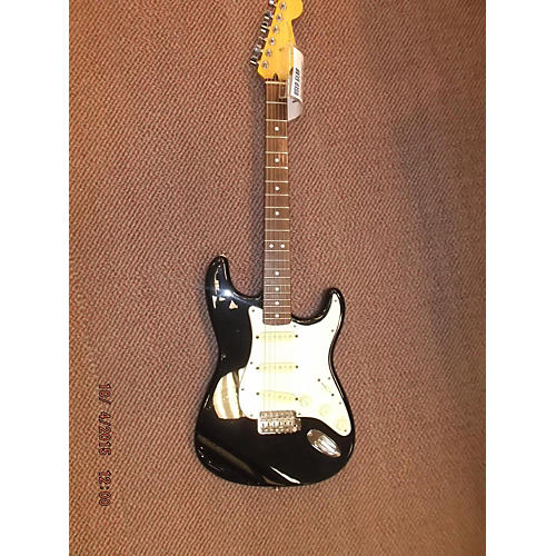 Fender 1992 Standard Stratocaster Solid Body Electric Guitar-thumbnail
