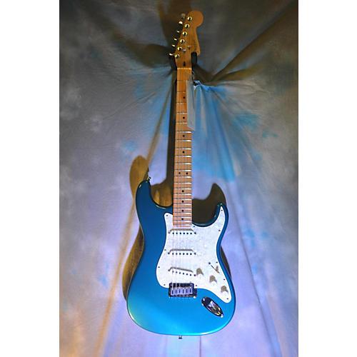 used fender 2000 american standard stratocaster solid body electric guitar metallic aqua marine. Black Bedroom Furniture Sets. Home Design Ideas