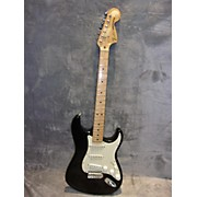 Fender 2000 Classic Series '70s Stratocaster Solid Body Electric Guitar