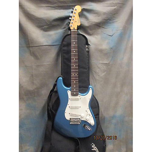 Fender 2000s Stratocaster Solid Body Electric Guitar pehlam blue