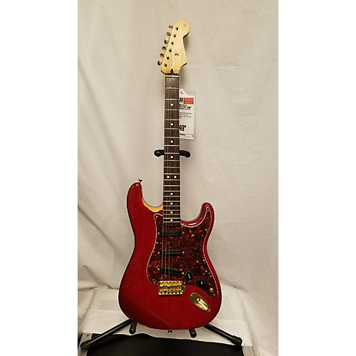 Fender 2004 Deluxe Player's Stratocaster Solid Body Electric Guitar