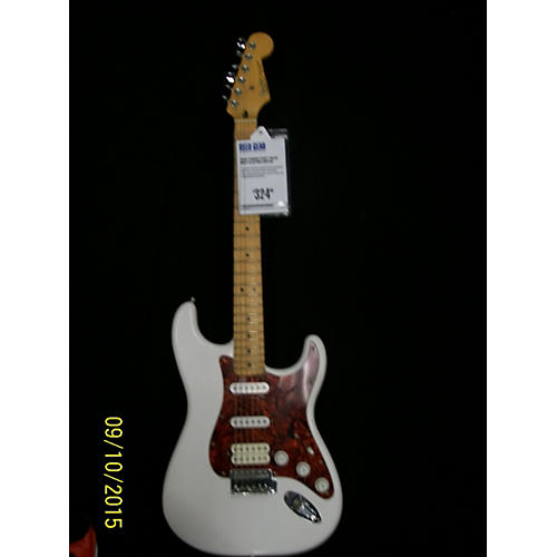 Fender 2011 STANDARD STRATOCASTER WITH VINTAGE NOISELESS PU Solid Body Electric Guitar White