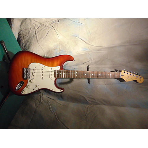 Fender 2013 Stratocaster Solid Body Electric Guitar-thumbnail