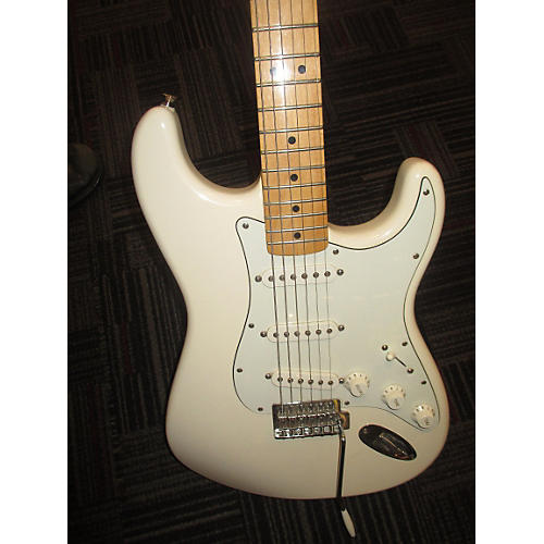 Fender 2014 Stratocaster Solid Body Electric Guitar