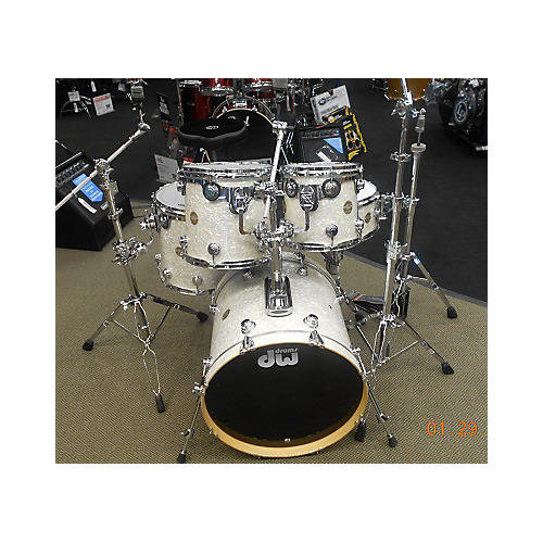 used dw 5 piece collector 39 s series may mic system drum kit guitar center. Black Bedroom Furniture Sets. Home Design Ideas
