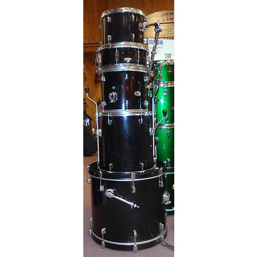 Pearl 5 Piece Forum Drum Kit-thumbnail