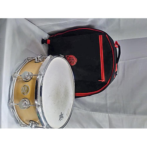 DW 5.5X14 Collector's Series Maple Snare Drum-thumbnail