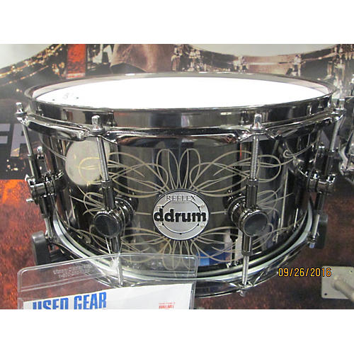 Ddrum 6.5X14 Reflex Tattooed Lady Engraved Black Steel Snare Drum-thumbnail