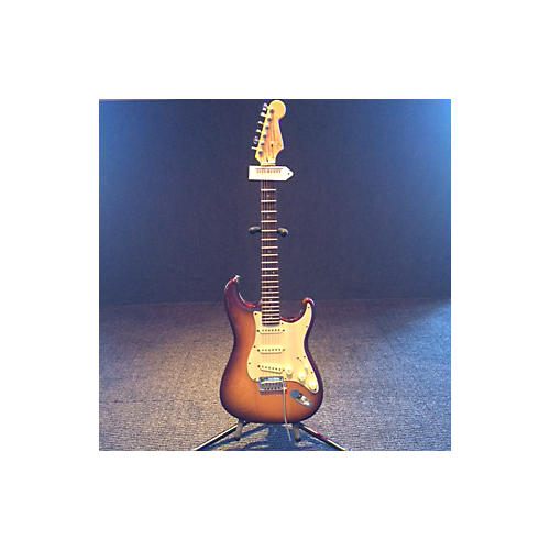 Fender 60th Anniversary Deluxe American Stratocaster Solid Body Electric Guitar-thumbnail