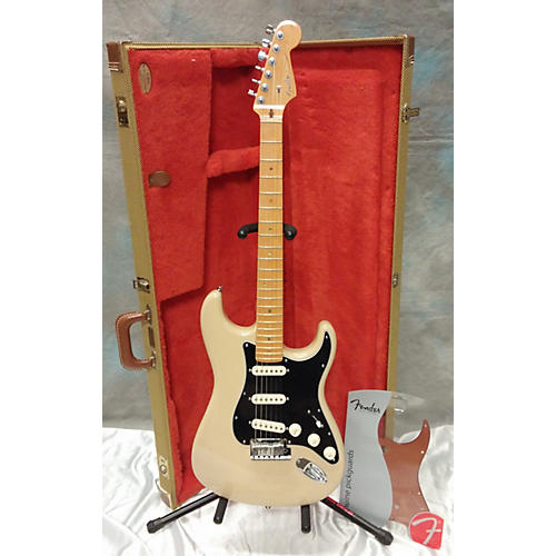 Fender American Deluxe Ash Stratocaster Soft V-Neck Solid Body Electric Guitar