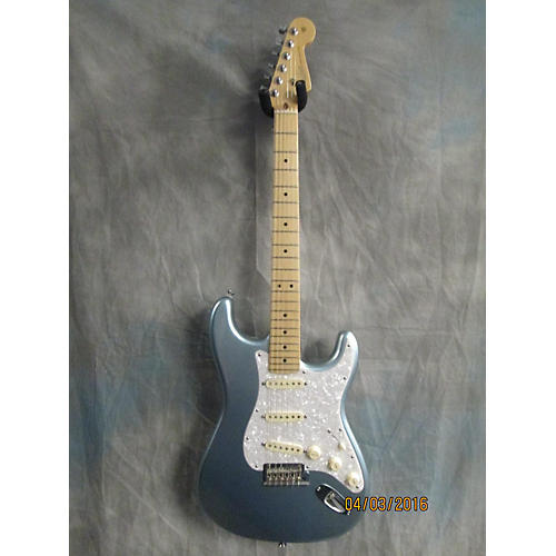 Fender American Deluxe Stratocaster Plus Solid Body Electric Guitar-thumbnail