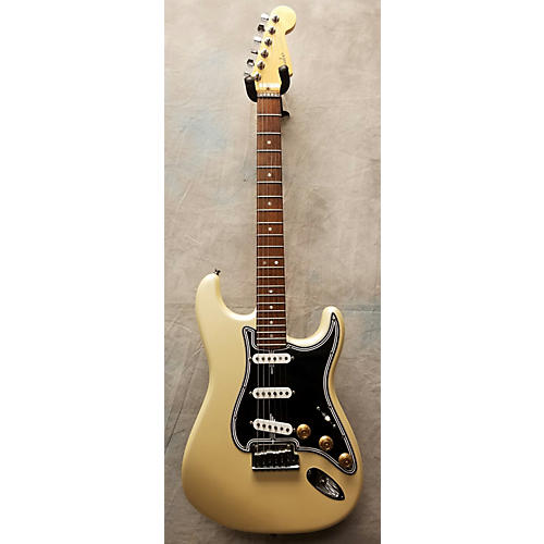 Fender American Deluxe Stratocaster Solid Body Electric Guitar Olympic Pearl