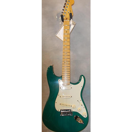 Fender American Deluxe Stratocaster Solid Body Electric Guitar Emerald Green