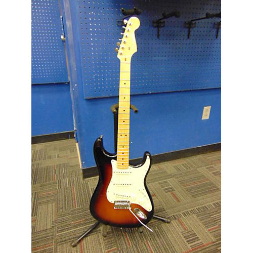 Fender American Deluxe Stratocaster V Neck Solid Body Electric Guitar 3 Tone Sunburst