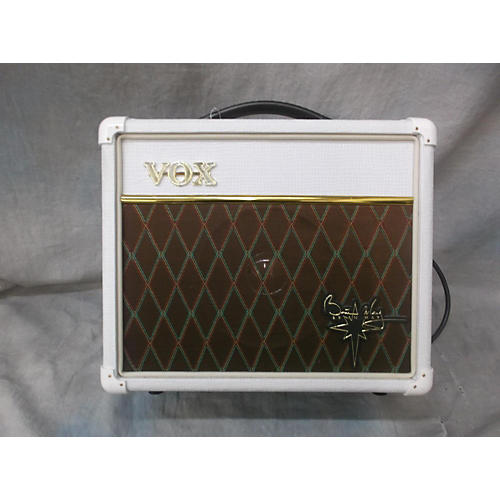 used vox brian may special white guitar combo amp guitar center. Black Bedroom Furniture Sets. Home Design Ideas