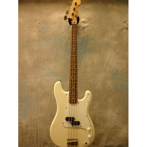 Squier Bullet Bass Electric Bass Guitar White
