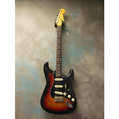 Fender Classic Series 1960S Stratocaster Lacquer Solid Body Electric Guitar