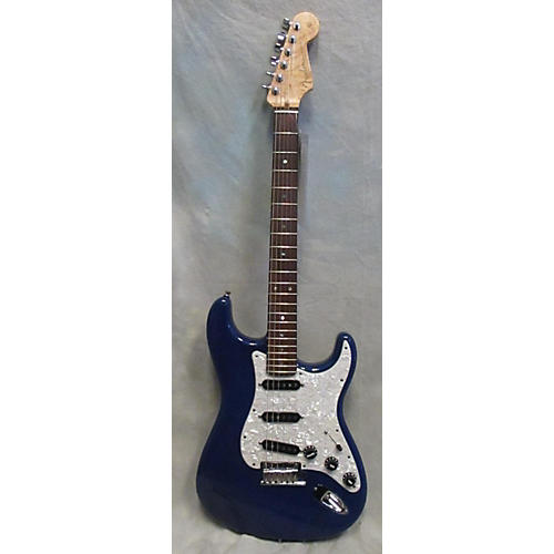 Fender  Custom Shop Deluxe Stratocaster Solid Body Electric Guitar