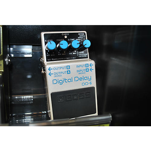 Boss DD6 Digital Delay Effect Pedal-thumbnail