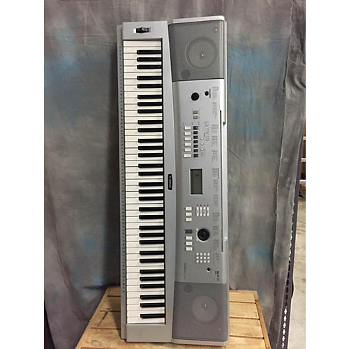 Yamaha DGX-220 Portable Keyboard