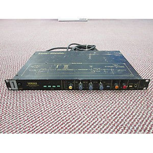 Pre-owned Yamaha DIGITAL REVERBERATION MODEL R1000 Effects Processor by Yamaha