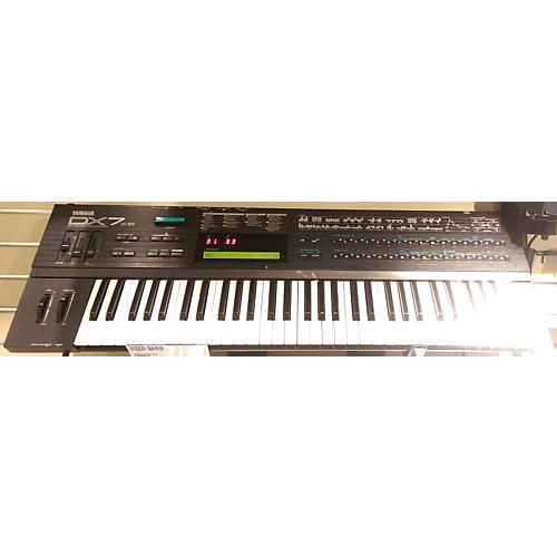 Yamaha DX7II Synthesizer