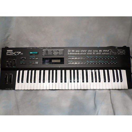 Yamaha DX7S Synthesizer