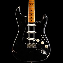 Fender Custom Shop David Gilmour Signature Stratocaster Electric Guitar Relic Black Over 3-Tone Sunburst