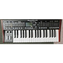 Behringer Deepmind 6 Synthesizer