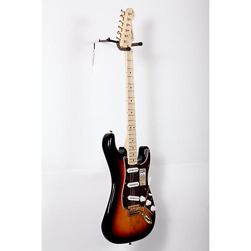 Fender Deluxe Players Stratocaster Electric Guitar 3-Color Sunburst Maple Fretboard