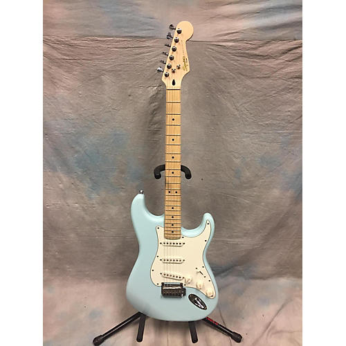 Squier Deluxe Stratocaster Solid Body Electric Guitar-thumbnail