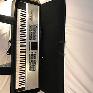 Pre-owned Roland Fantom X8 Keyboard Workstation