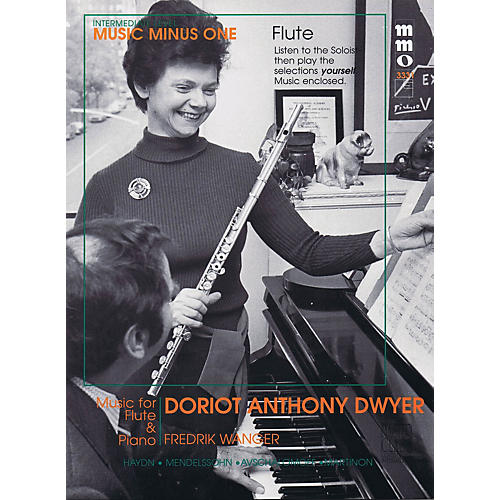 Music Minus One Intermediate Flute Solos - Volume 4 Music Minus One Series Softcover with CD