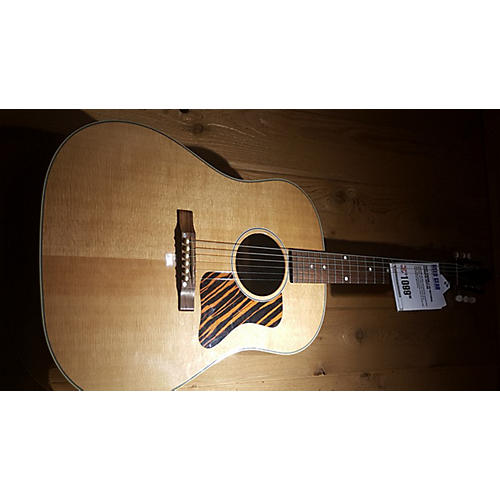 Gibson J-35 Acoustic Guitar-thumbnail