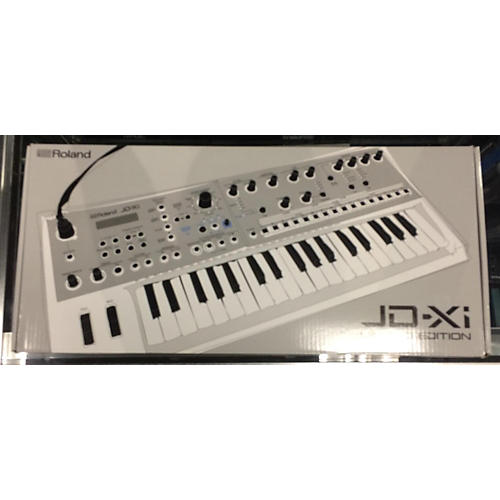 Roland JD-XI Synthesizer-thumbnail