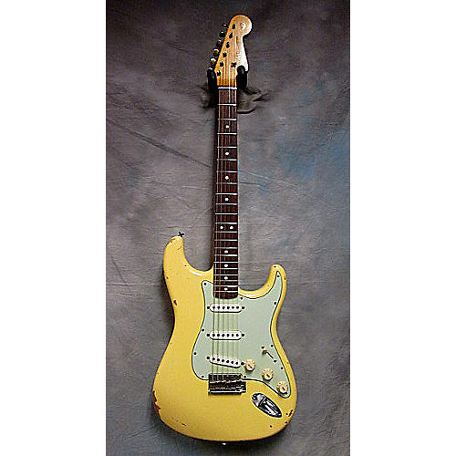 Fender L-Series 1964 Relic Stratocaster Aged White Solid Body Electric Guitar