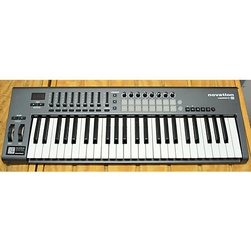 Novation Launchkey 49 Key MIDI Controller-thumbnail