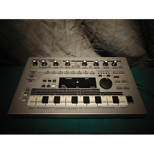 Roland MC303 GROOVEBOX Sound Module-thumbnail
