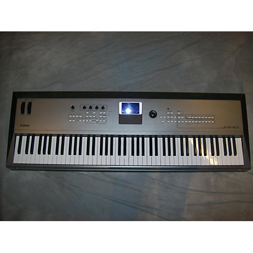 Yamaha MM8 88 Key Synthesizer