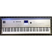 Yamaha MM8 Arranger Keyboard
