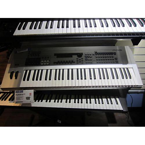 used yamaha mo6 61 key grey keyboard workstation guitar center. Black Bedroom Furniture Sets. Home Design Ideas