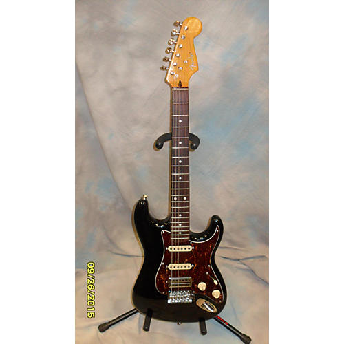 Fender MODERN PLAYER SHORT SCALE STRAT Black Solid Body Electric Guitar