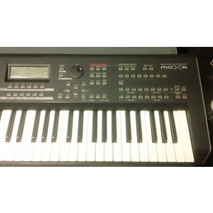 Pre-owned Yamaha MOX6 61 Key Keyboard Workstation by Yamaha