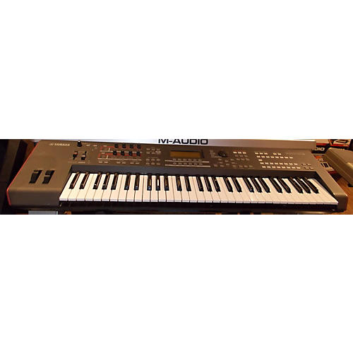 Yamaha MOXF6 61 Key Keyboard Workstation-thumbnail
