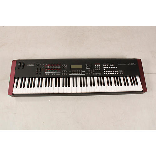 blemished yamaha moxf8 88 key synthesizer workstation