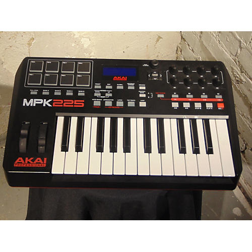 used akai professional mpk225 25 key midi controller guitar center. Black Bedroom Furniture Sets. Home Design Ideas
