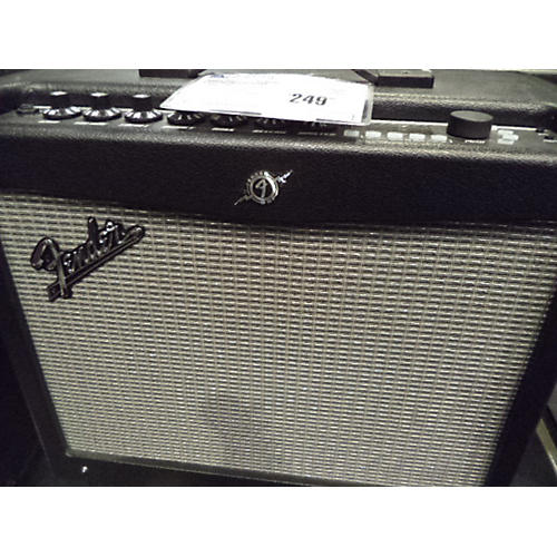 Fender MUSTANG III V2 WITH 4 BUTTON SWITCH Guitar Combo Amp-thumbnail